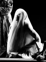 Clitemnestra piange Agamennone