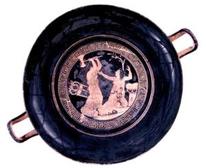 Clitennestra uccide Cassandra: Kylix attica a figure rosse, 430 a.C., attribuita al Pittore di Marlay. Tomba 264 Valle Trebba