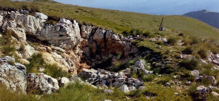 Monte Sibilla: ingresso della Grotta