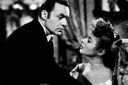 Ingrid Bergman e Charles Boyer in una scena del film.